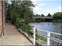 SK3536 : Derby - River Derwent by Alan Heardman