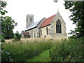TM3193 : St Peter's church in Hedenham by Evelyn Simak