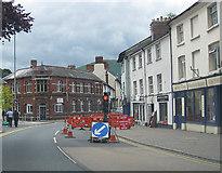 SO3014 : Temporary light, Monk Street by Pauline E