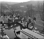 SE1039 : Canal boating as a spectator-sport by Dr Neil Clifton