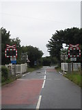 SW9660 : Tregoss level crossing by Rod Allday