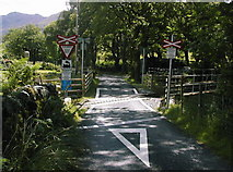 SH5848 : Level crossing without barrier. by ROWLAND TURNER