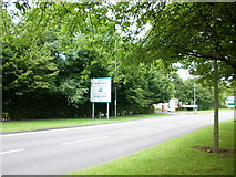 ST3091 : Malpas Road Newport approaching Woodlands roundabout by Jaggery