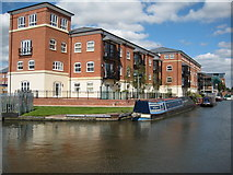 SO8453 : Apartments in Diglis Basin by Philip Halling