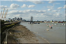 TQ3979 : River Thames, Bugsby's Reach by Peter Trimming