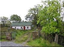 G9738 : Cottage, Barra East by Kenneth  Allen
