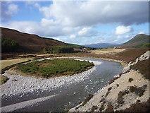 NN8596 : Mid-Stream Island in River Feshie by Alan O'Dowd
