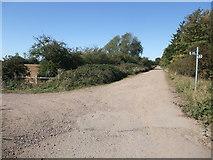 SK8166 : Footpath junction on Trent Lane by Tim Heaton