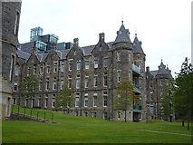 NT2572 : Old Royal Infirmary from the Meadows by kim traynor