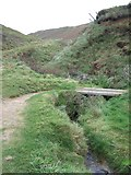 SM8422 : Valley by Cwn Mawr north of Newgale by David Smith