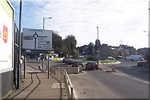 TQ6174 : Roundabout on Stonebridge Road by David Anstiss