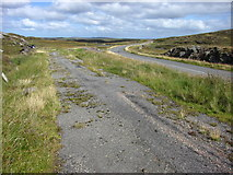NB2129 : The Old Road & The New Road B8011 by John Tustin