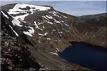 NN4974 : Lancet  Edge and Loch an Sgoir by John Proctor