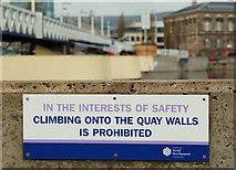 J3474 : Warning sign, Belfast by Albert Bridge