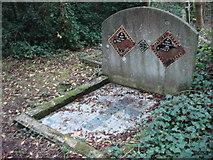 TQ2886 : Grave, Highgate Cemetery by Oxyman
