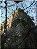 NS3578 : Kilmahew Castle - SE corner, wall-head by Lairich Rig