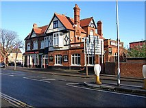 SU1585 : County Ground Hotel, 115 County Road by P L Chadwick