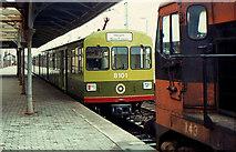 O2839 : DART test train, Howth by Albert Bridge