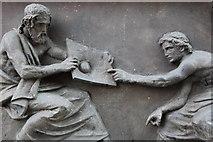 NT2574 : Detail on James Clerk Maxwell Statue by Calum McRoberts