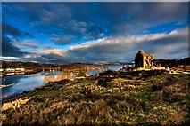 NR8668 : East Loch Tarbert and Tarbert Castle by Steve Partridge