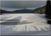 SO0514 : An icy Pentwyn reservoir by Gareth James