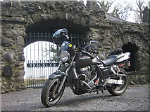 N5958 : Gate Lodge At  Bracklyn Estate by Jamie Carroll