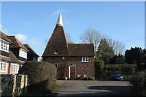 TQ4735 : Oast house, High St, Hartfield by N Chadwick