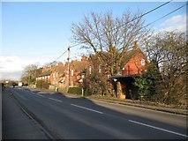 SU5985 : Housing on the Reading road by Bill Nicholls