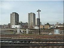 TQ2775 : London : Wandsworth - Railway Scenery by Lewis Clarke