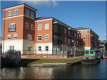 SO8453 : Apartments, Diglis Basin by Philip Halling
