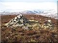 NN8573 : Summit, Carn Dearg Mòr by Richard Webb