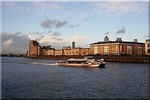 TQ3778 : River Bus passing the Isle of Dogs by Andrew Wood