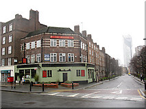 TQ3279 : The William, Rockingham Street by Stephen Craven