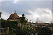 TQ7035 : Gatehouse Oast house, Riseden Lane by N Chadwick