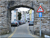 SH4762 : Stryd yr Eglwys (Church Street) by Dr Richard Murray