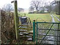 SD6289 : Footpath sign and gate near Killington by Maigheach-gheal