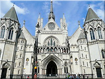 TQ3181 : Royal Courts of Justice by Jonathan Billinger