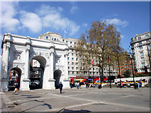 TQ2780 : Marble Arch, London W1 by Christine Matthews