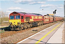 SU5290 : Didcot Station, Car train by Roger Templeman