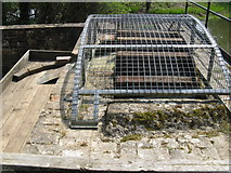TQ0524 : Waterwheel at Lording's Lock aqueduct by Dave Spicer