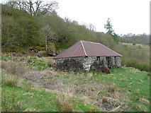 NM8162 : Old croft at Anaheilt by Russel Wills