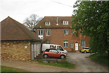 TR3156 : Oast Cottages, Grove Road, Woodnesborough, Kent by Oast House Archive