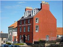 NT6779 : Dunbar Townscape : The Volunteer Arms, Victoria Street, Dunbar by Richard West