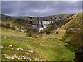 SD8963 : Approaching Malham Cove by Ian Greig