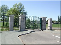 SJ9400 : King George V Memorial Park by John M