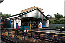 TQ1780 : Ealing Broadway station, District Line by Dr Neil Clifton