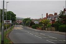 TA0390 : Burniston Rd (A165) heading south by N Chadwick