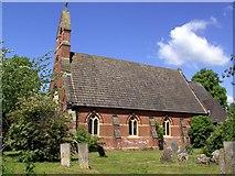 SK6946 : Hoveringham Church by derek dye