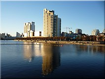 SJ8097 : Swanky flats at Salford Quays by Slbs