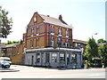 TQ2977 : The Duchess Pub, Battersea by canalandriversidepubs co uk